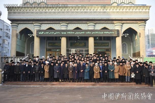 新疆乌鲁木齐洋行清真寺举行圣纪活动